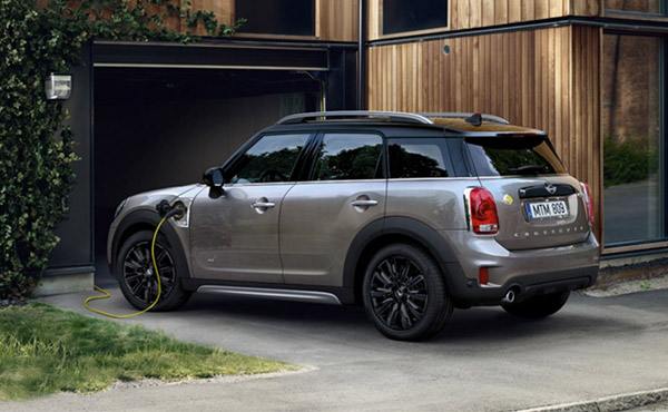MINI CROSSOVER PHEV